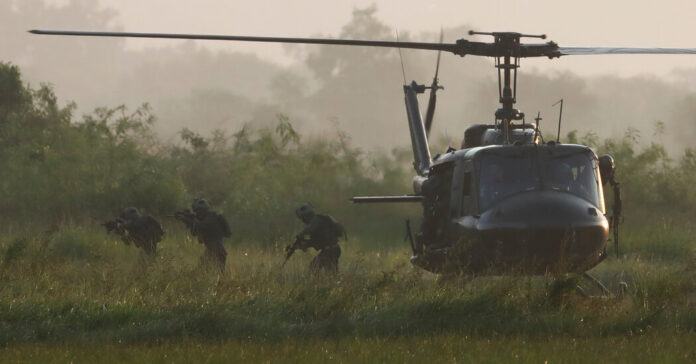 7 Dead in Military Helicopter Crash in Southern Philippines