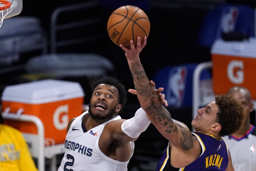 Kyle Kuzma's active play helps Lakers rally past the Grizzlies