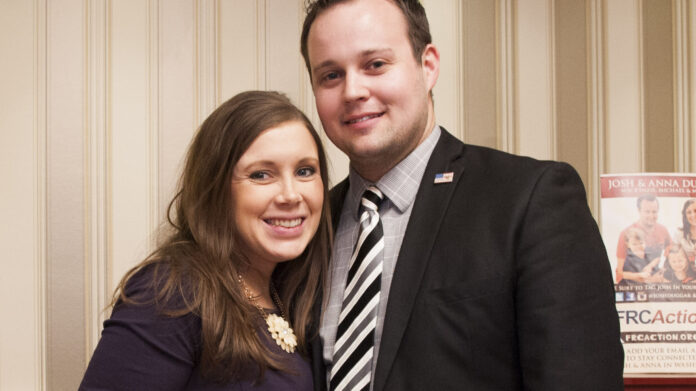 Josh Duggar's wife Anna defended reality star as a 'diligent worker' in days leading up to his federal arrest