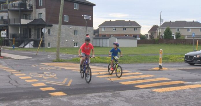 Mother calls for increased safety measures at Vaudreuil-Dorion crosswalk - Montreal | Globalnews.ca