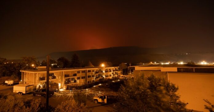 With more than 300 wildfires burning and no state of emergency, some B.C. residents on edge  | Globalnews.ca