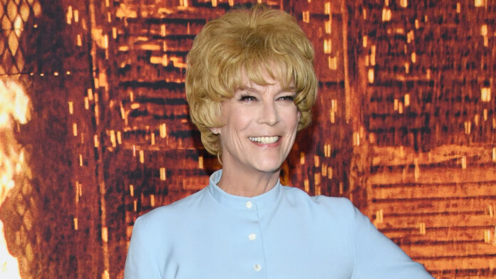 'Halloween Kills' star Jamie Lee Curtis channels mother Janet Leigh at premiere by wearing 'Psycho' costume
